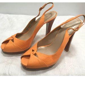 STUART WEITZMAN SIZ.8.5 Peach/Orange Peep Toe Shoe